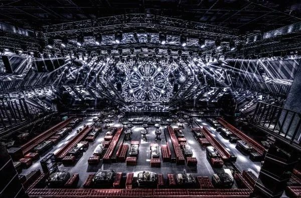 1700㎡超大巨型空间享受未来式蹦迪体验