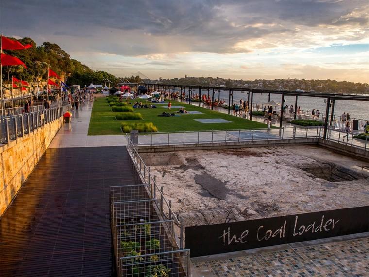澳大利亚海港前的公共空间
