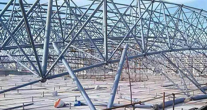螺栓球钢网架结构加工和安装环节注意要点
