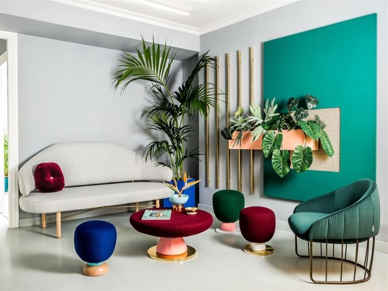 西班牙的多彩工作室空间