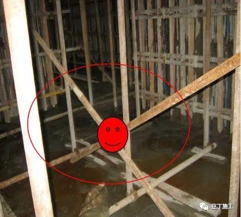 建筑混凝土墙柱的垂直度、平整度这么控制!_18