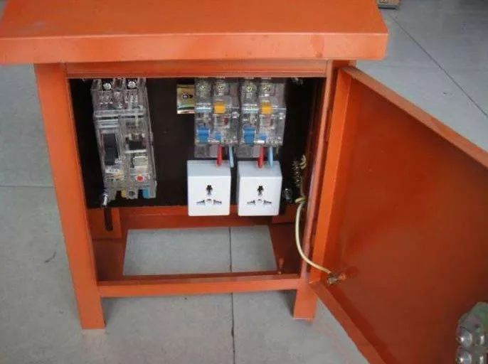 电工忽略临时用电接线太可怕!这六项临时用_10