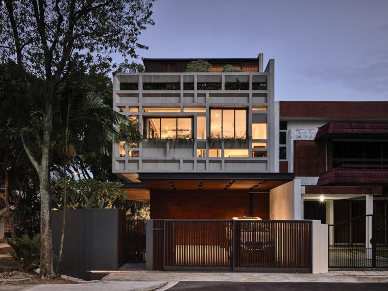 新加坡翠绿的阳台住宅