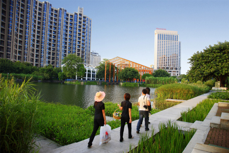 104-zhongshan-shipyard-park-china-by-turenscape