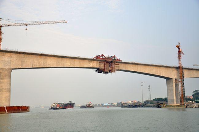 连续刚构桥悬臂浇筑施工工法揭秘_20