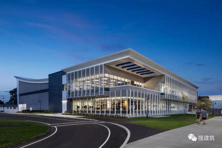 案例|国外建筑设计的大学活动中心