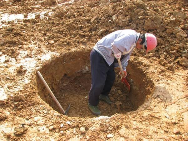 人工挖孔桩与管桩经济对比分析