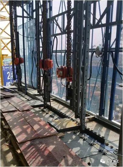 折叠式升降脚手架设计、安装及拆除工艺解析_32