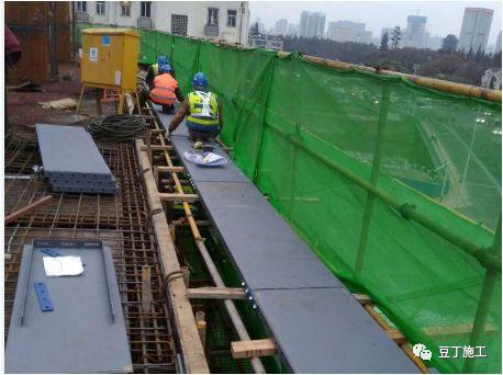 折叠式升降脚手架设计、安装及拆除工艺解析_45