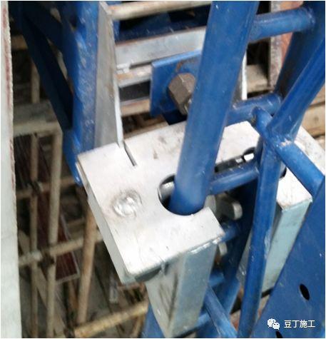 折叠式升降脚手架设计、安装及拆除工艺解析_71