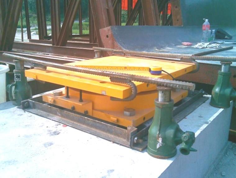 桥梁板式、盆式支座的构造及计算方法