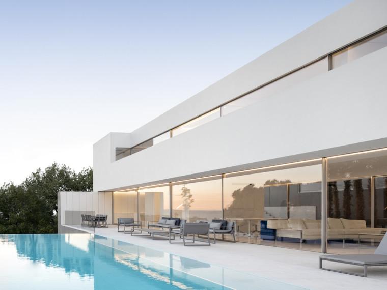 西班牙圣波拉水平线别墅