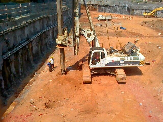 人工挖孔桩与旋挖钻孔桩比较