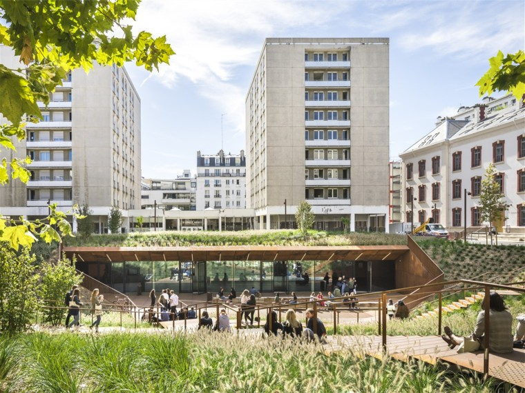 巴黎第一大学卢钦军营