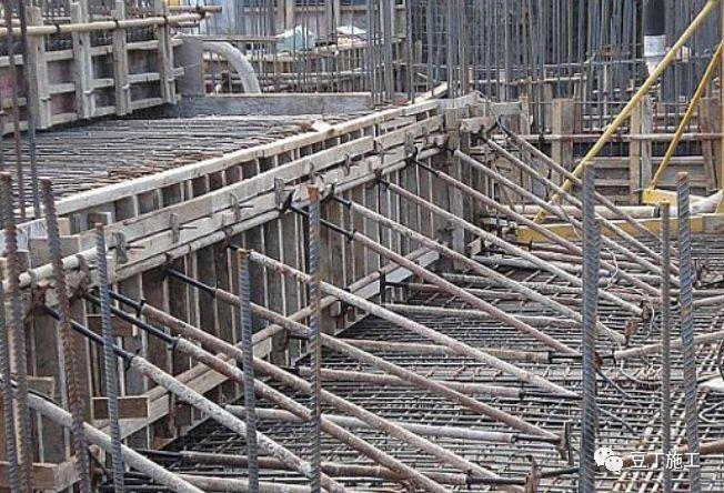 建筑工程地下室施工合集资料及施工过程讲解_9