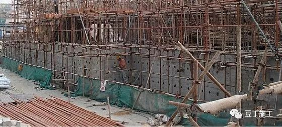 建筑工程地下室施工合集资料及施工过程讲解_31