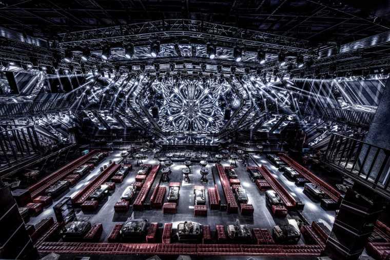 巨型空间享受未来式蹦迪体验Centreclub-微信图片_20190808000154-2(1)