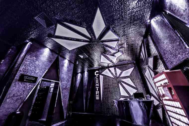 巨型空间享受未来式蹦迪体验Centreclub-入口(1)