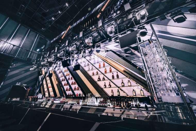 巨型空间享受未来式蹦迪体验Centreclub-微信图片_20190902131042(1)