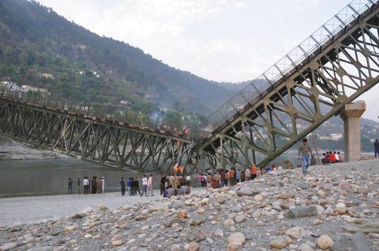 桥梁加固新技术及独柱墩桥梁隐患和养护