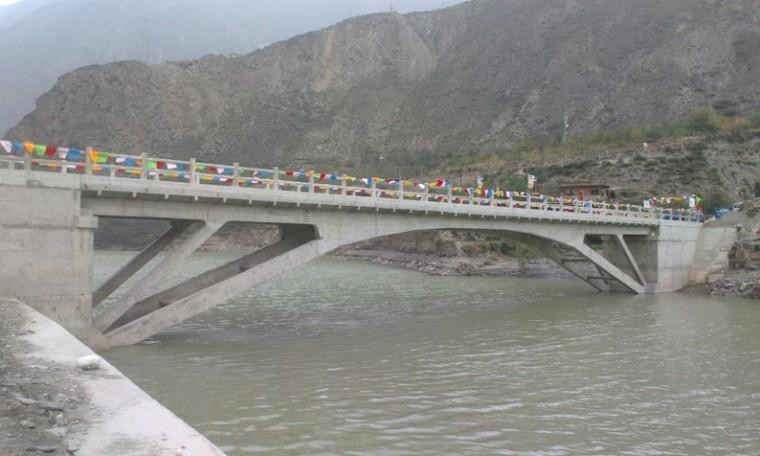 桥梁上部结构常见缺陷、加固与维修技术