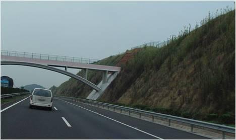 公路高边坡防止措施一次性都说清楚了