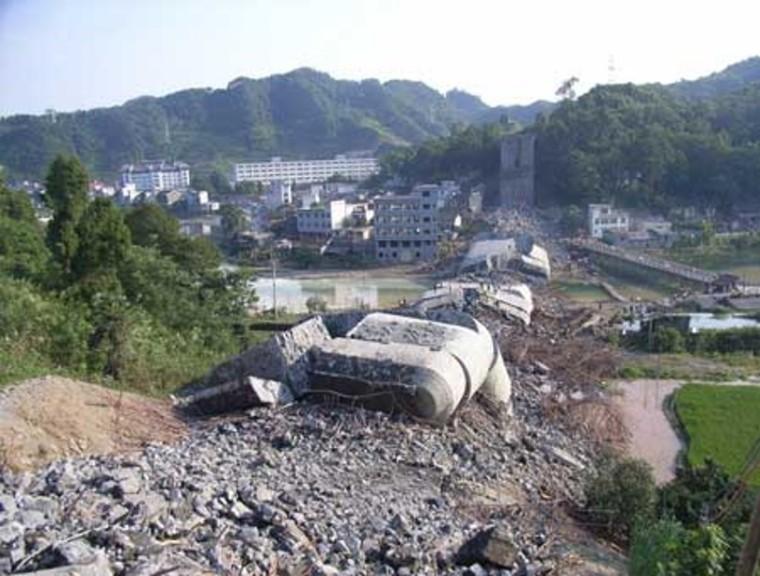 施工质量太差导致桥梁垮塌
