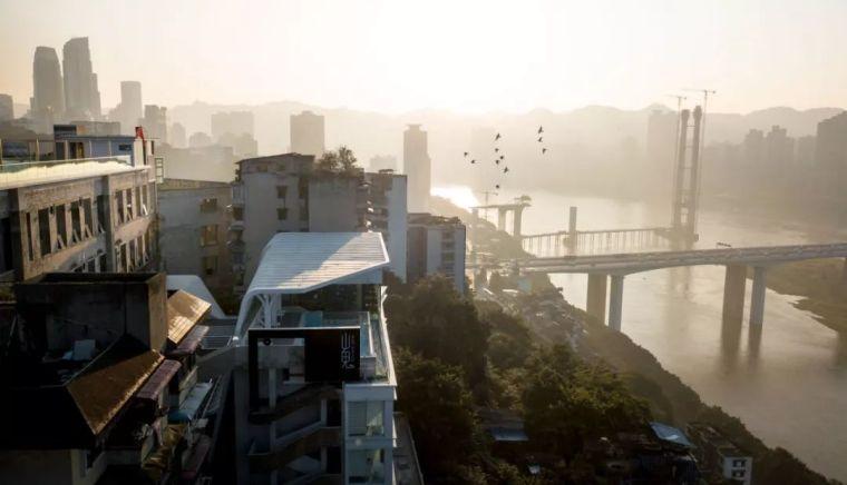 太酷了,重庆一印刷厂改造成炫酷酒店!
