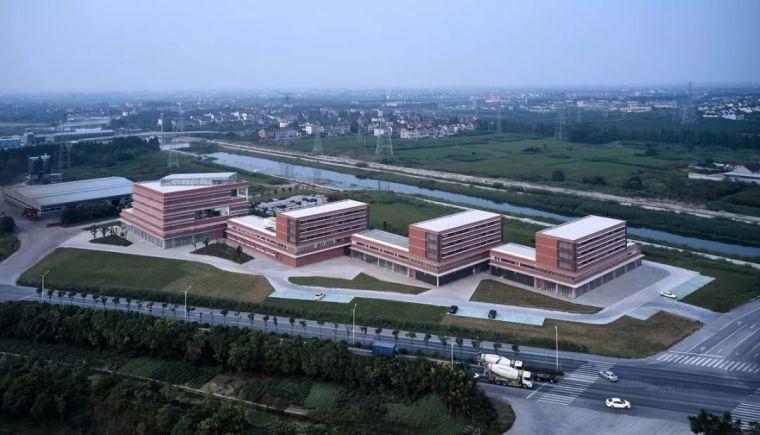 多层办公楼建筑设计:浙江华腾牧业企业总部