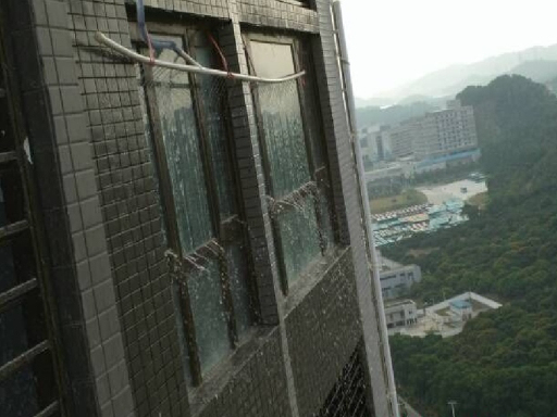 铝合金及塑料门窗的组成和安装构造