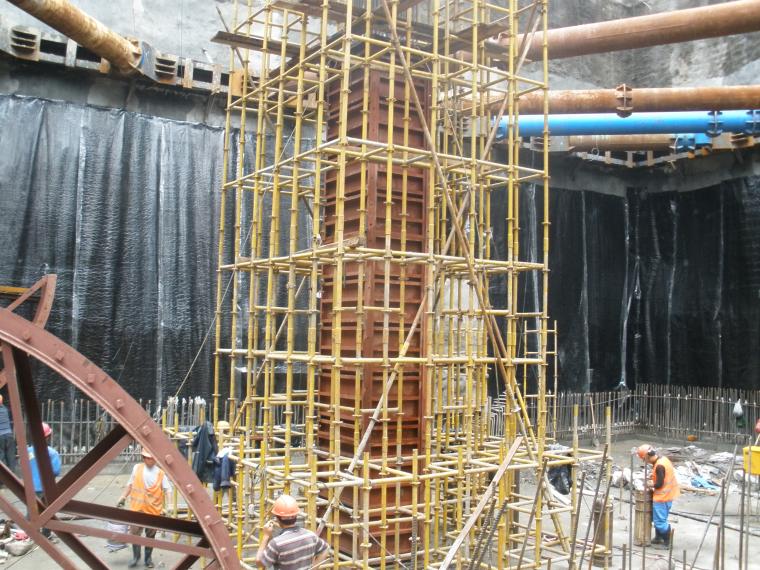 明挖顺筑法施工地铁车站主体结构施工方案