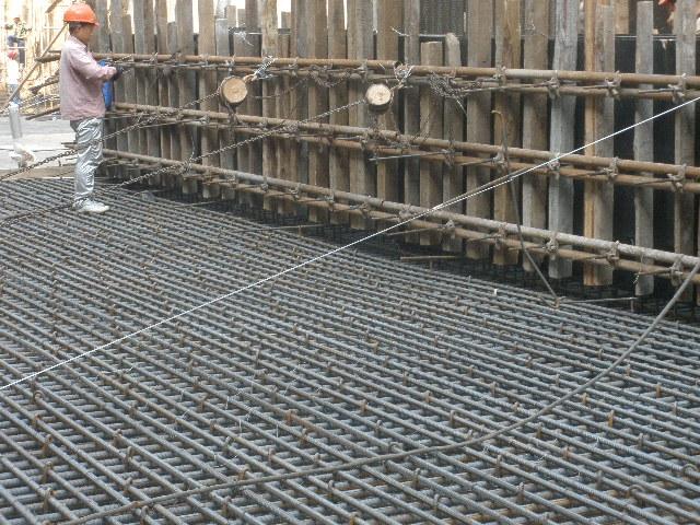地下三层基坑盖挖逆作法及主体结构施工方案