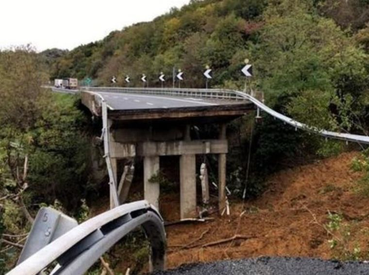 都灵至萨沃纳高速路段一高架桥垮塌
