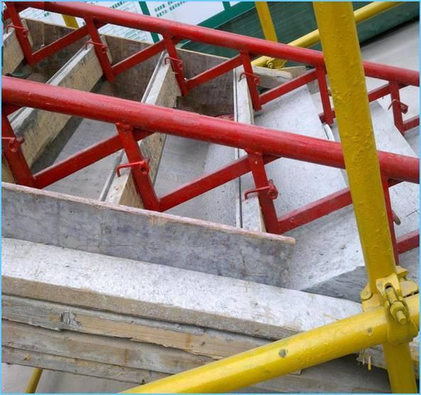高层建筑钢架定型楼梯支模施工工法