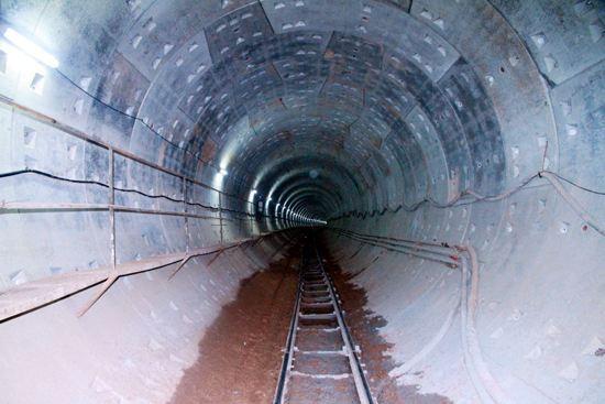 地铁暗挖施工技术及安全管理(图文并茂)