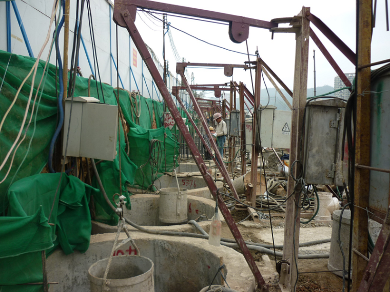 人工挖孔桩施工工艺安全保证措施及工程案例
