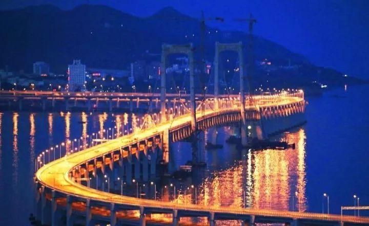海水那么深,跨海大桥的桥墩是怎么埋进去的