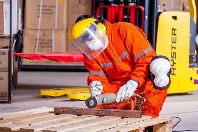 建筑施工安全64问,施工员技术员安全员必备