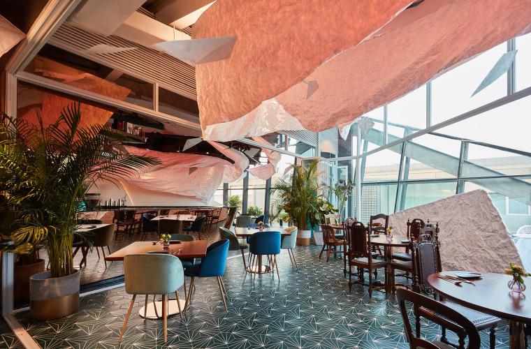 ingenhoven建筑事务所资料下载-多种颜色灯光主题餐厅设计官方摄影+JPG平面