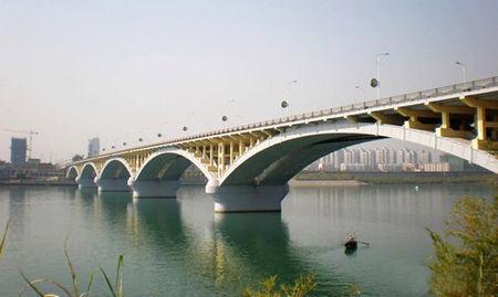 [论文]先简支后结构连续桥梁施工技术分析