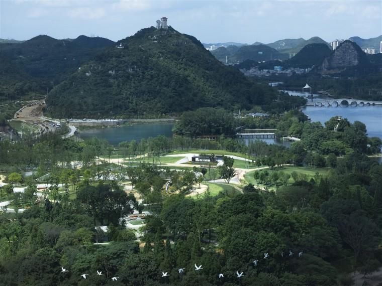 贵州安顺虹山湖市民公园