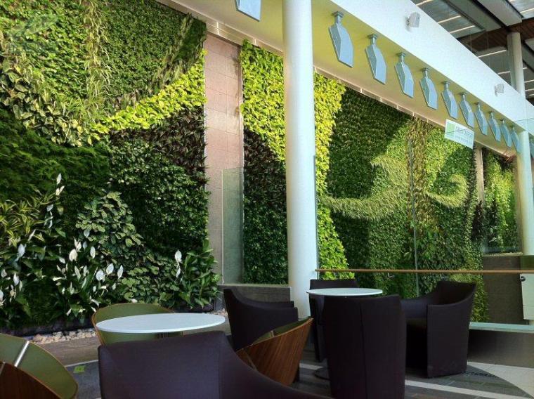 北京植物墙的施工与维护