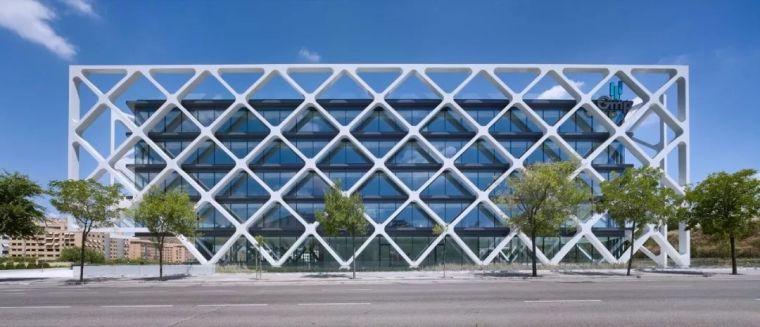 纯净现代 | 多层办公楼