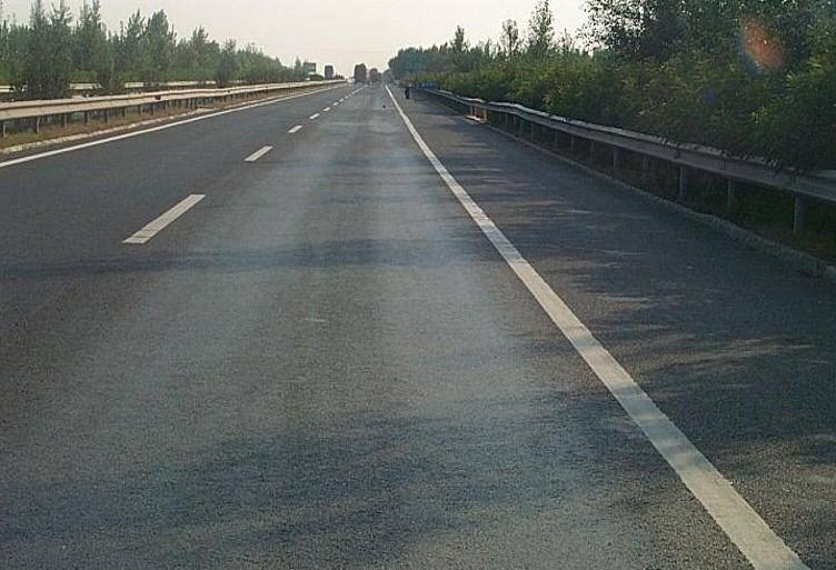 沥青路面材料组成设计及施工质量控制