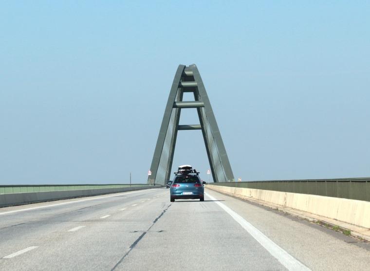 工程全过程流程资料下载-道路桥梁工程全过程监理质量管理