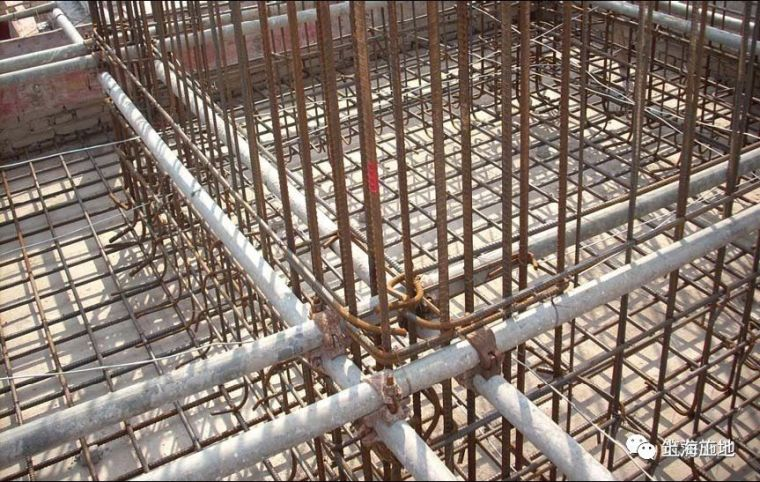 图文详解七大模板安装工程质量通病防治措施_4