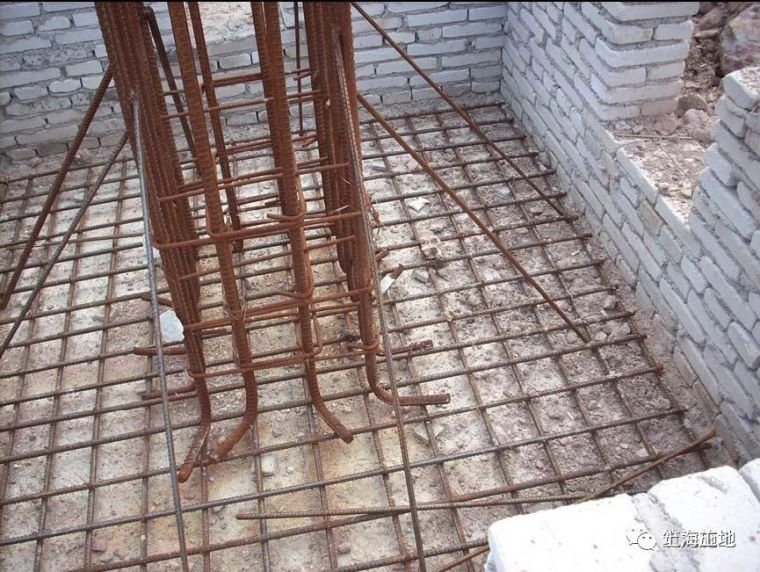 图文详解七大模板安装工程质量通病防治措施_3
