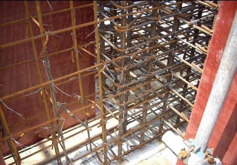 图文详解七大模板安装工程质量通病防治措施_20