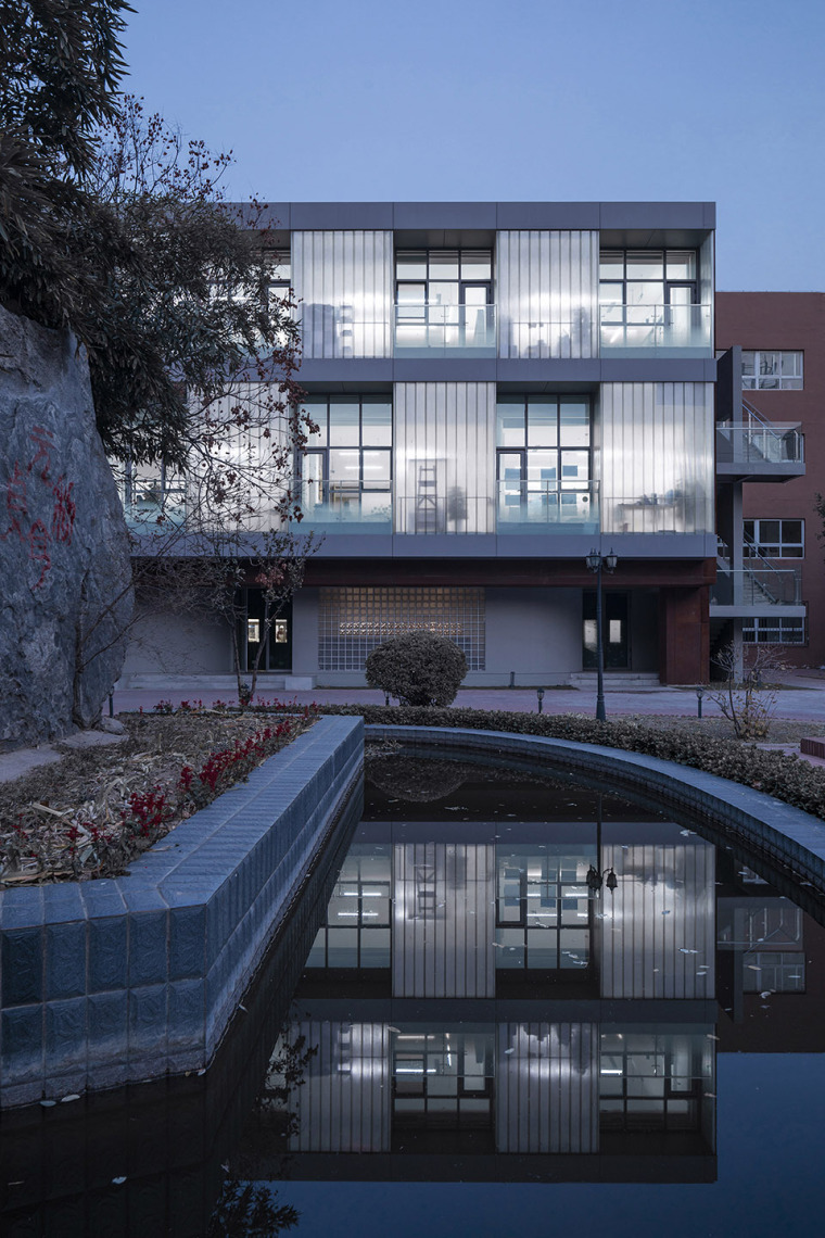 019-international-department-of-beijing-private-junyi-middle-school-china-by-edo-architects