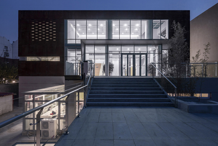 010-international-department-of-beijing-private-junyi-middle-school-china-by-edo-architects